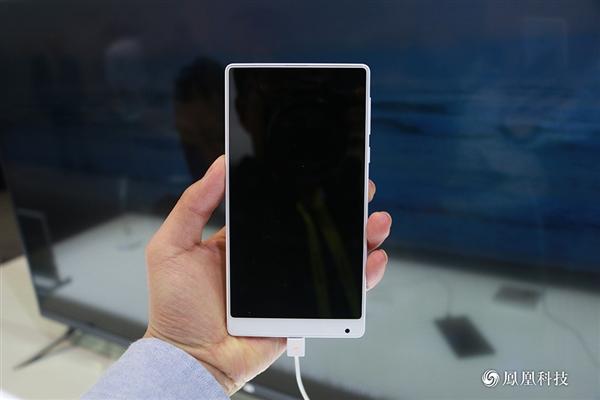 Xiaomi mi mix pearl white edition in pictures: premium & elegant