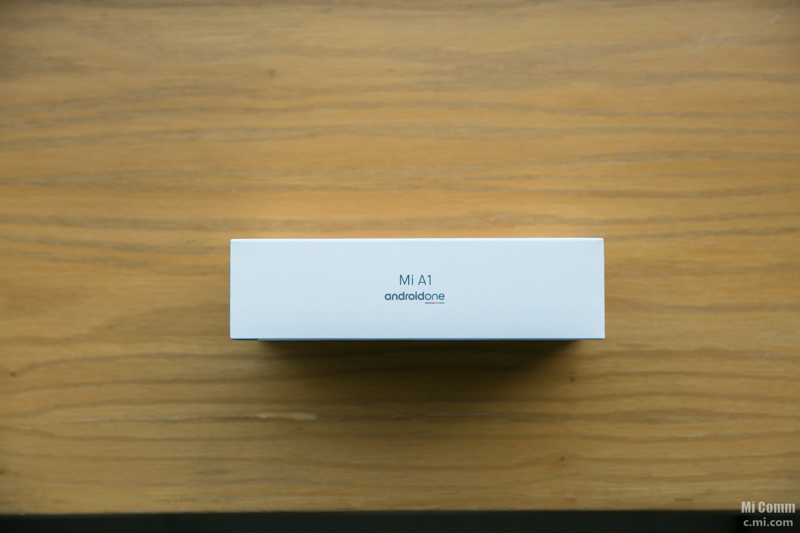小米包装盒侧面Android One的logo