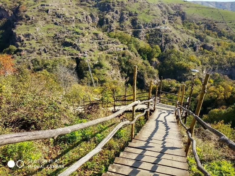 Картинки по запросу пещерный город хндзореск и чертов мост