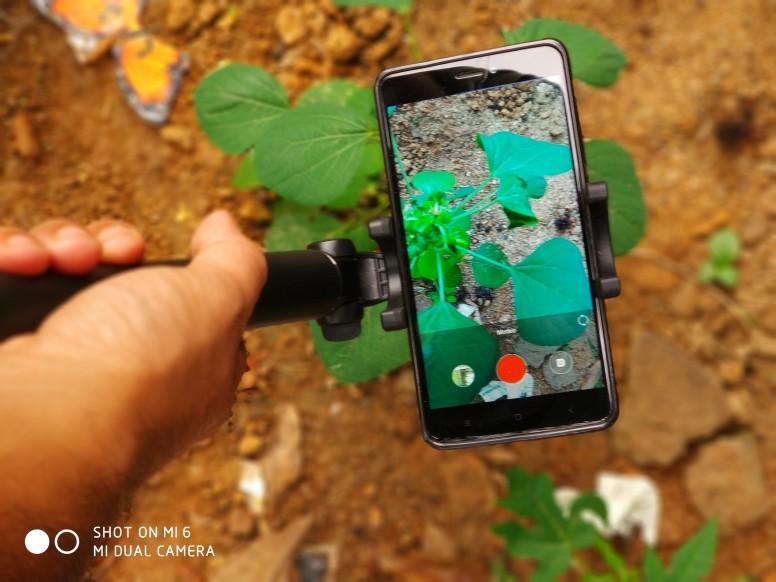 how to take selfie using tripod