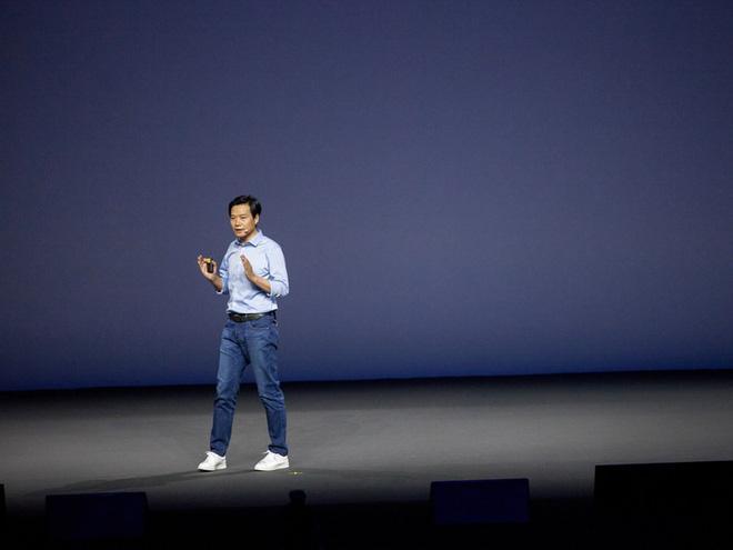 Xiaomi đã hồi sinh phi thường bằng những chiến lược đúng đắn như thế nào?
