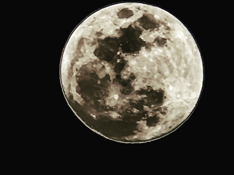 [Phone Lens Tutorial-3] Moon Photography with Apexel 18x Super Zoom Lens and Mi6