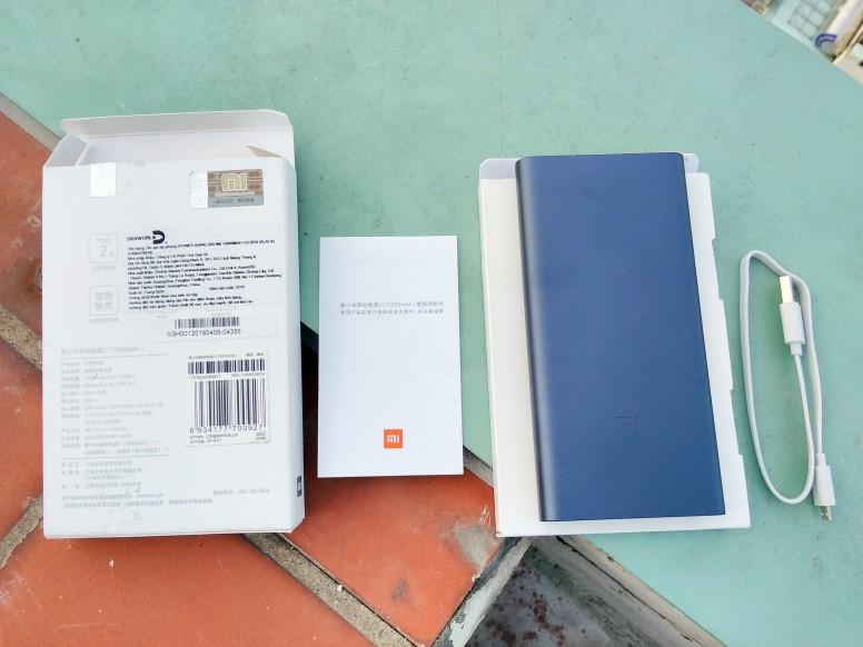 Trên tay Pin dự phòng Xiaomi 10000mAh 2S: gọn, đẹp, sạc lâu