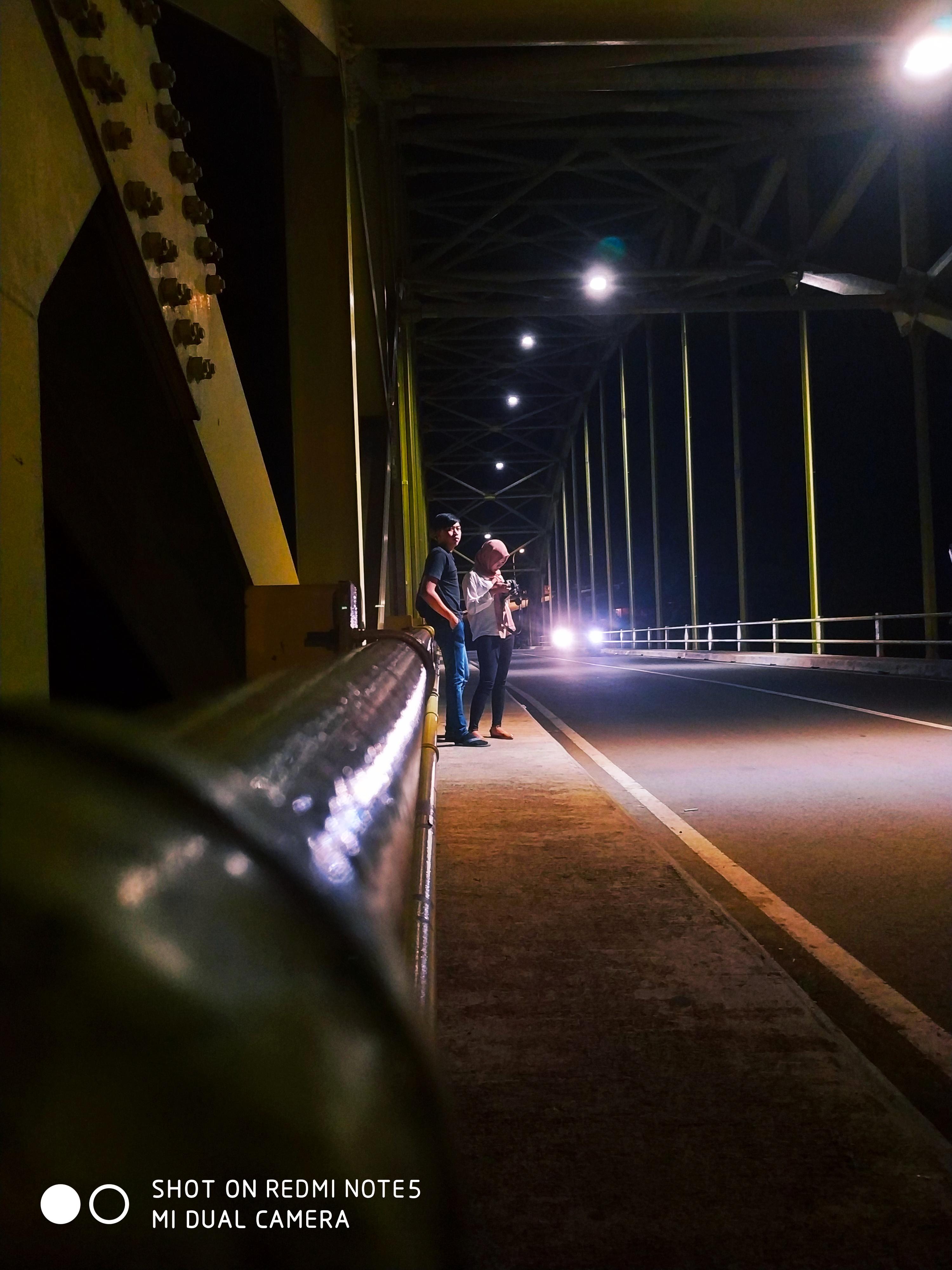 2 Sejoli Yellow Bridge