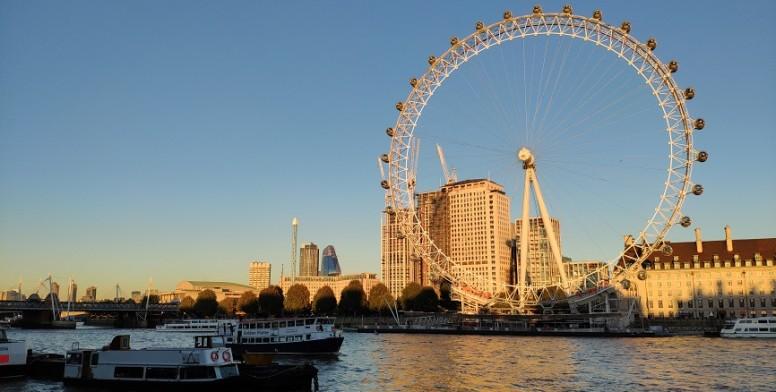 लंदन में एमआई एक्सएनएनएक्स कैमरा का परीक्षण
