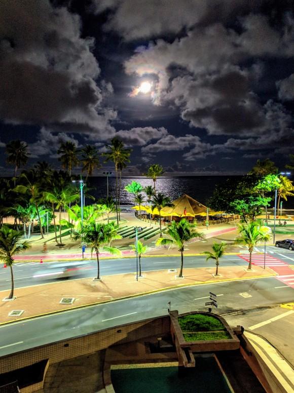 Beautiful Night shots : Pocophone F1 + app Gcam night mode - POCO F1